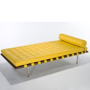 Barcelona day bed design mies van der rohe for Chaise longue barcelona